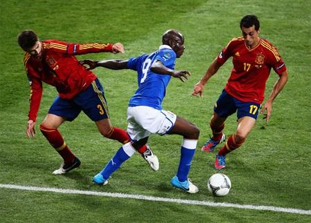Balotelli nhiều khả năng sẽ vắng mặt ở trận đấu đêm nay