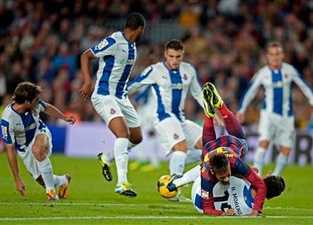 Trận đấu gặp Espanyol hứa hẹn vô cùng khó khăn với Barcelona