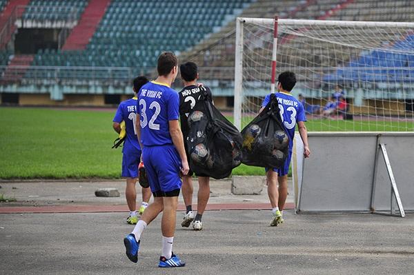 CLB Ninh Bình đã không trả lương cho cầu thủ vài tháng qua