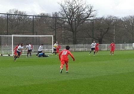 U19 Việt Nam thất bại trước một U19 Tottenham quá mạnh