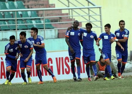 Cầu thủ Than Quảng Ninh đình công đòi tiền thưởng