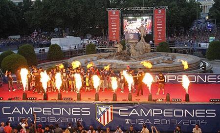 Thủ đô Madrid không khác gì một ngày hội