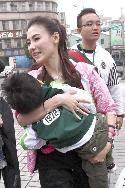 """""""Quý tử"""" nhà Trương Bá Chi được """"săn đón"""" tại Đài Loan - 14"""