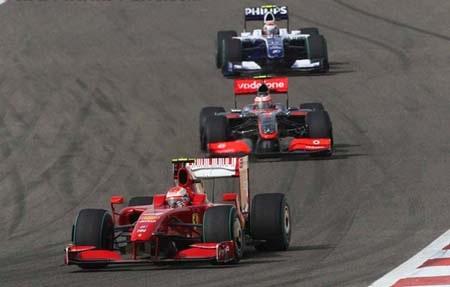 Button lại đăng quang, Ferrari có điểm đầu tay - 2