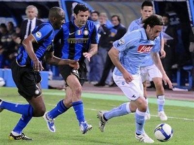 Zalayeta lập công, Napoli cản bước Inter - 2