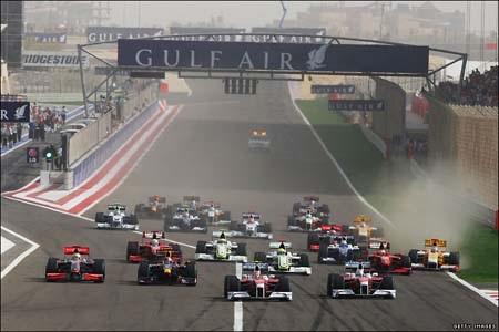 Button lại đăng quang, Ferrari có điểm đầu tay - 1