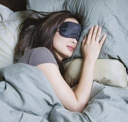 Viêm võng mạc vì ngủ mà mắt vẫn mở - 1