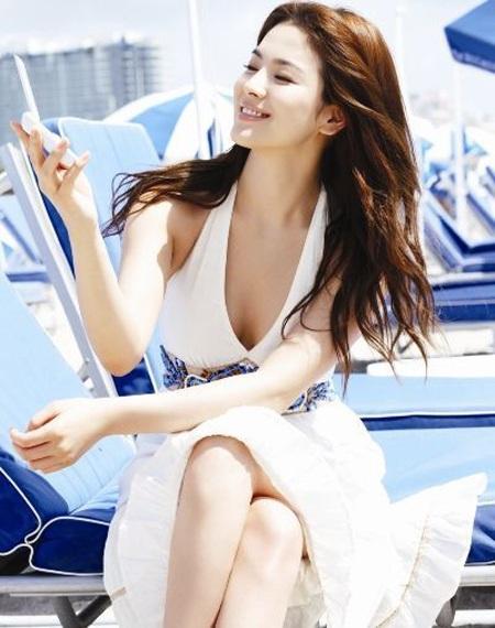 Song Hye Kyo cá tính với tóc ngắn - 11