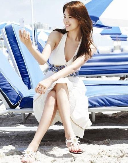 Song Hye Kyo cá tính với tóc ngắn - 12