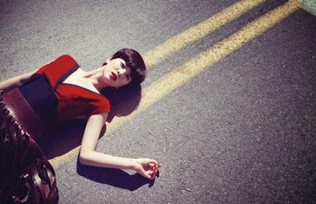 Song Hye Kyo cá tính với tóc ngắn - 2