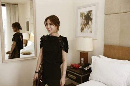 Song Hye Kyo cá tính với tóc ngắn - 4