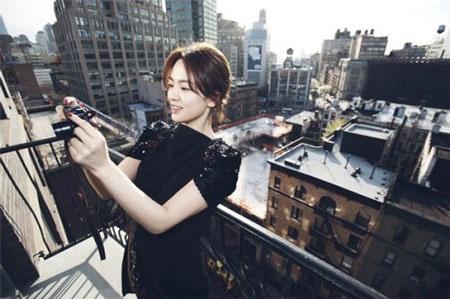 Song Hye Kyo cá tính với tóc ngắn - 5