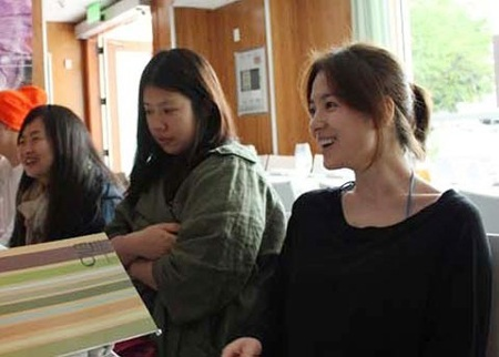 Song Hye Kyo cá tính với tóc ngắn - 7