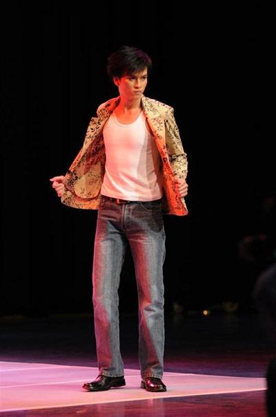 Những hình ảnh đầu tiên của Siêu mẫu Việt Nam 2009 - 10