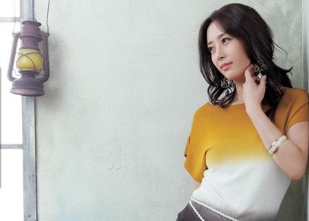 Hôm nay, Song Yoon Ah tổ chức đám cưới đơn giản - 13