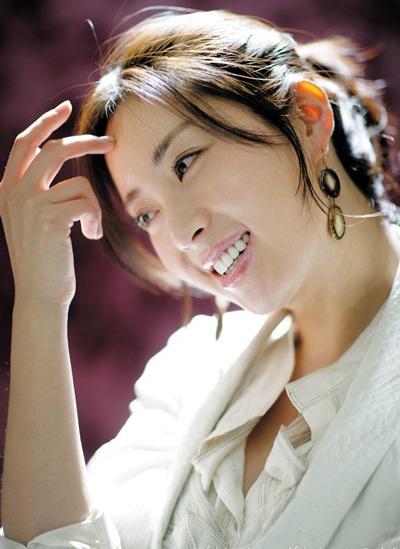 Hôm nay, Song Yoon Ah tổ chức đám cưới đơn giản - 2