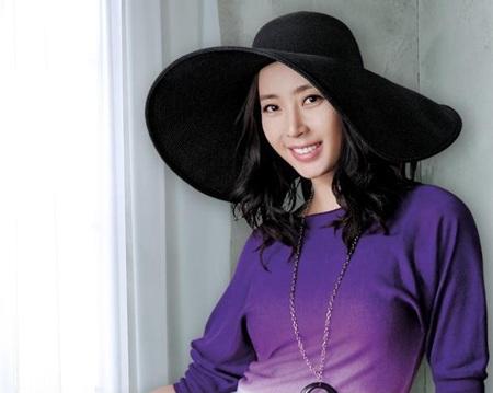 Hôm nay, Song Yoon Ah tổ chức đám cưới đơn giản - 3