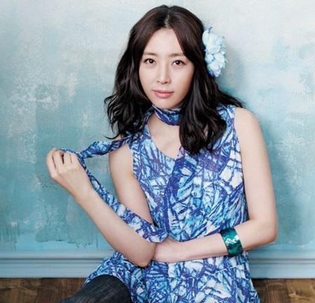 Hôm nay, Song Yoon Ah tổ chức đám cưới đơn giản - 4