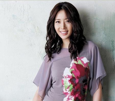 Hôm nay, Song Yoon Ah tổ chức đám cưới đơn giản - 6
