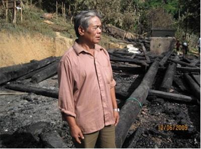 Hỏa hoạn thiêu rụi 11 ngôi nhà, 7 người bị thương - 2