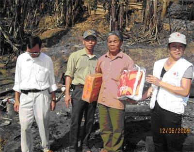 Hỏa hoạn thiêu rụi 11 ngôi nhà, 7 người bị thương - 4