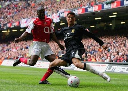 Khoảnh khắc trầm bổng Ronaldo tại Quỷ đỏ MU - 5