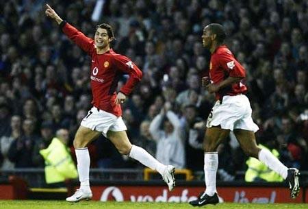 Khoảnh khắc trầm bổng Ronaldo tại Quỷ đỏ MU - 3