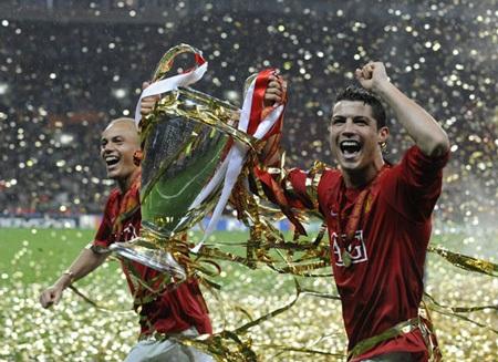 Khoảnh khắc trầm bổng Ronaldo tại Quỷ đỏ MU - 12