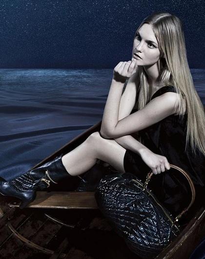Caroline Trentini: Siêu mẫu không bao giờ tốn tiền mua quần áo - 3