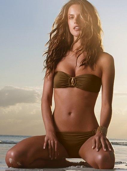 """Ngắm  Alessandra Ambrosio diện áo tắm """"hot"""" nhất hè 2009  - 11"""