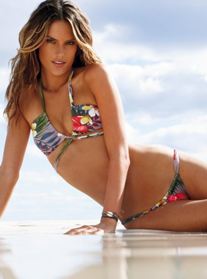 """Ngắm  Alessandra Ambrosio diện áo tắm """"hot"""" nhất hè 2009  - 5"""