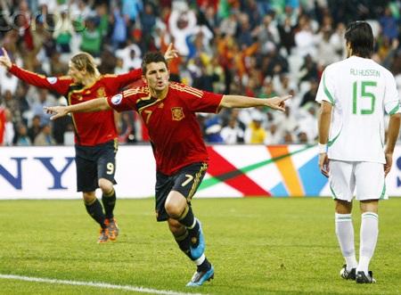 Chelsea sẵn sàng chi 100 triệu euro cho cặp Torres-Villa - 1