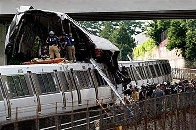 Những bất thường trong vụ đâm tàu điện ngầm Mỹ - 1