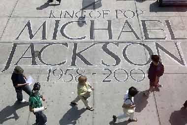 """Virus, spam """"ăn theo"""" cái chết của Michael Jackson - 1"""