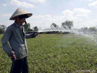 Phát triển KCN nóng vội làm bần cùng hóa nông dân - 1