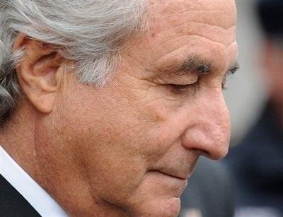Siêu lừa Madoff chính thức lĩnh án 150 năm tù giam  - 1