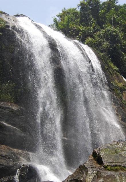 Những thác nước quyến rũ dưới chân dãy Hoàng Liên Sơn - 3