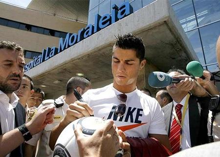 Lễ ra mắt hoành tráng của C. Ronaldo tại Real Madrid - 3