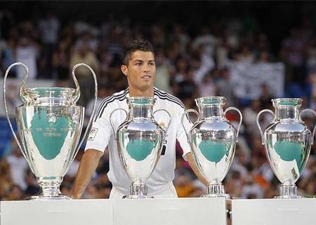 Lễ ra mắt hoành tráng của C. Ronaldo tại Real Madrid - 6