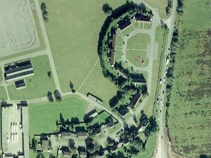 Chùm ảnh: Bảng chữ cái khổng lồ nhìn từ trên không - 19