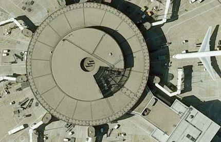 Chùm ảnh: Bảng chữ cái khổng lồ nhìn từ trên không - 17