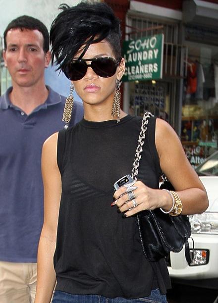 Rihanna khoe tóc mới sành điệu - 5