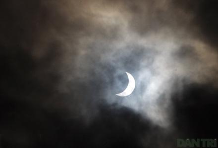 Ngắm nhật thực ở Hà Nội - 10