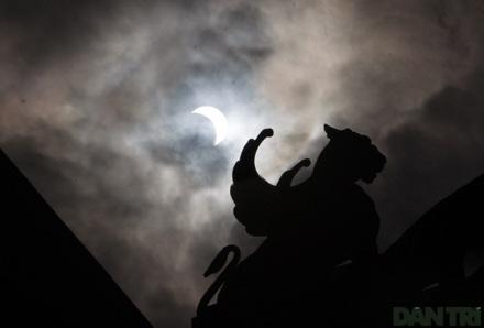Ngắm nhật thực ở Hà Nội - 12