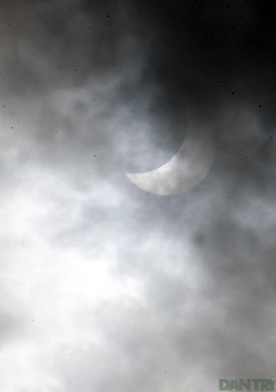 Ngắm nhật thực ở Hà Nội - 3