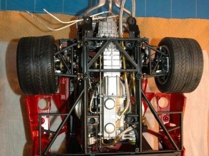 """""""Mổ"""" một chiếc Ferrari tí hon - 9"""