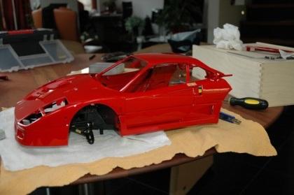 """""""Mổ"""" một chiếc Ferrari tí hon - 14"""