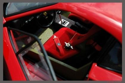 """""""Mổ"""" một chiếc Ferrari tí hon - 16"""