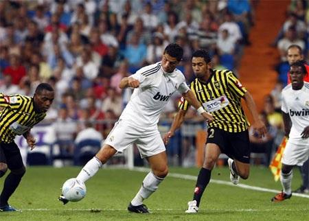 C. Ronaldo mãn nguyện vì được CĐV Madrid nhất mực ủng hộ - 1