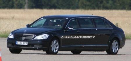 Phiên bản mới của S-Class limousine trên đường thử - 1
